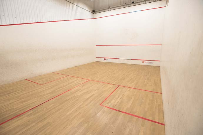 Over 330 squash courts for hire